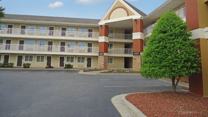 Exterior view EXTENDED STAY AMERICA GREENSBO