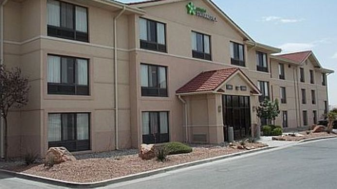 Exterior view EXTENDED STAY AMERICA CORPUS C