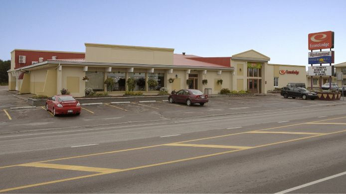 Exterior view Econo Lodge Forestville