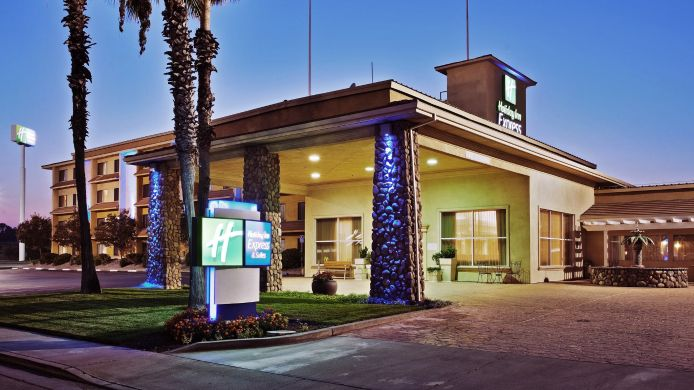 Buitenaanzicht Holiday Inn Express & Suites CORNING