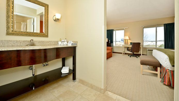 Suite BAYMONT INN AND SUITES