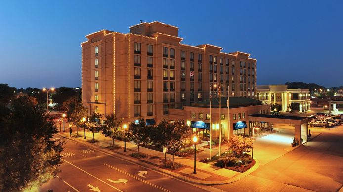Buitenaanzicht Hilton Garden Inn Virginia Beach Town Center