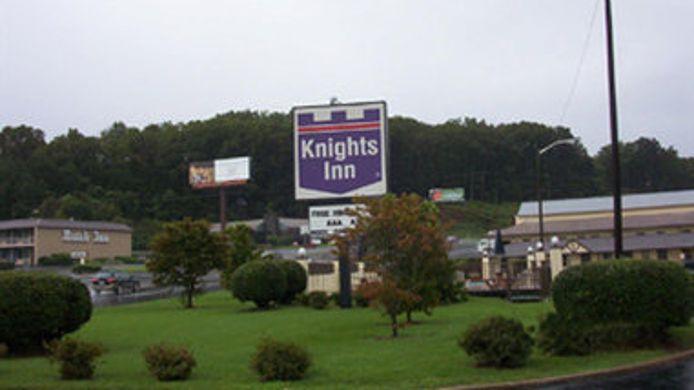 Exterior view KNIGHTS INN COLLINSVILLE VA