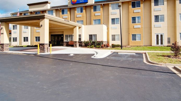 Exterior view Comfort Inn Mount Airy