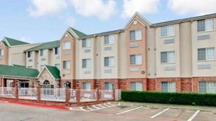 Buitenaanzicht DAYS INN & SUITES NORTH DALLAS
