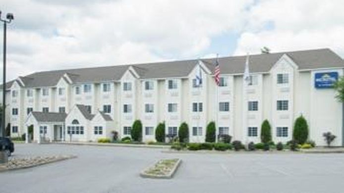 Exterior view MICROTEL BECKLEY