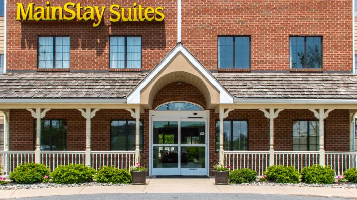 Exterior view MainStay Suites of Lancaster County