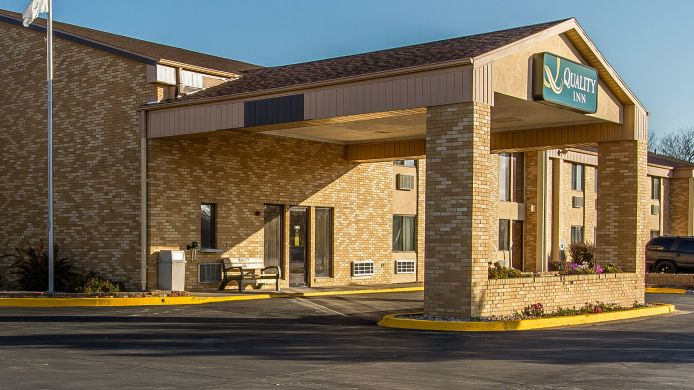 Exterior view Quality Inn Burlington