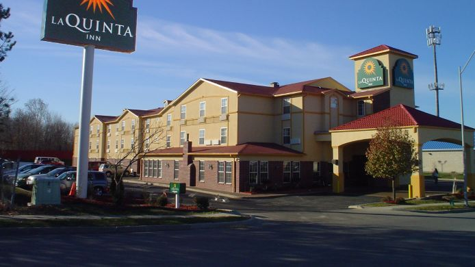 Exterior view LA QUINTA INN STE KANSAS CITY AIRPORT