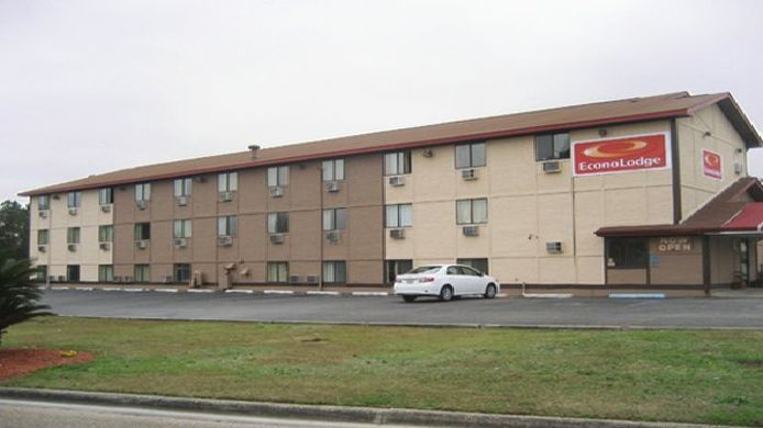 Exterior view Econo Lodge Pensacola