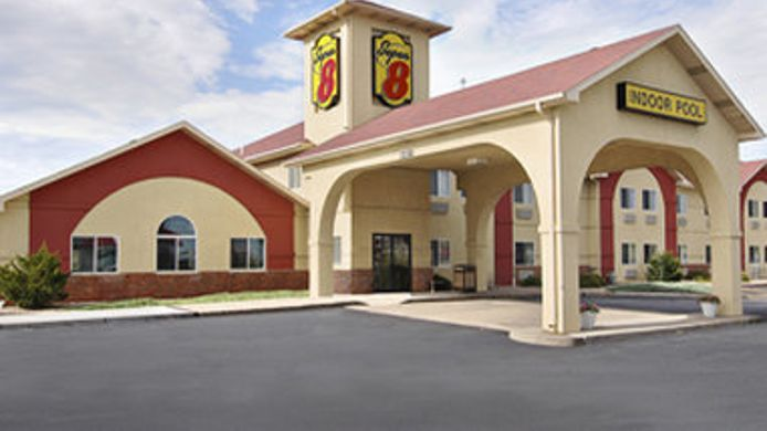 Exterior view SUPER 8 GRETNA