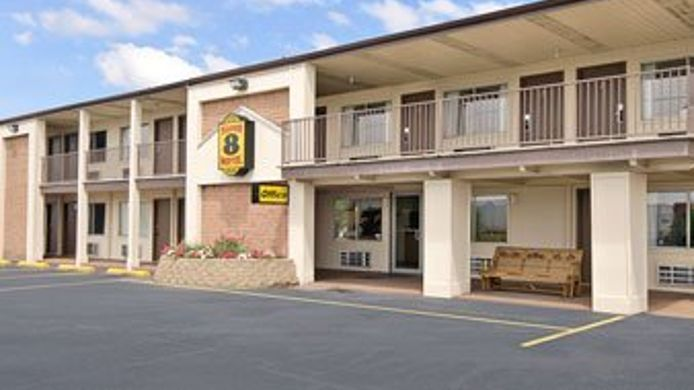 Exterior view Econo Lodge Buckeye Lake