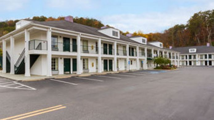 Buitenaanzicht BAYMONT INN & SUITES ALBANY AT