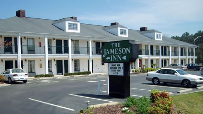 Buitenaanzicht JAMESON INNS AND SUITES WILSON