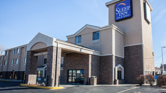 Buitenaanzicht Sleep Inn & Suites I-70 at Wanamaker