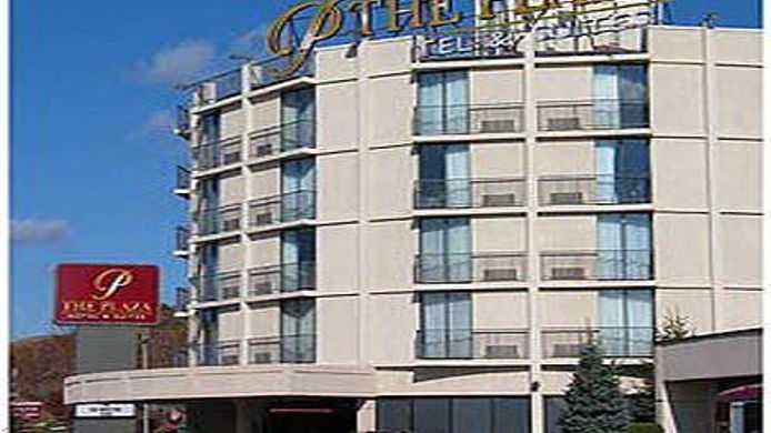 Buitenaanzicht Plaza Hotel And Suites