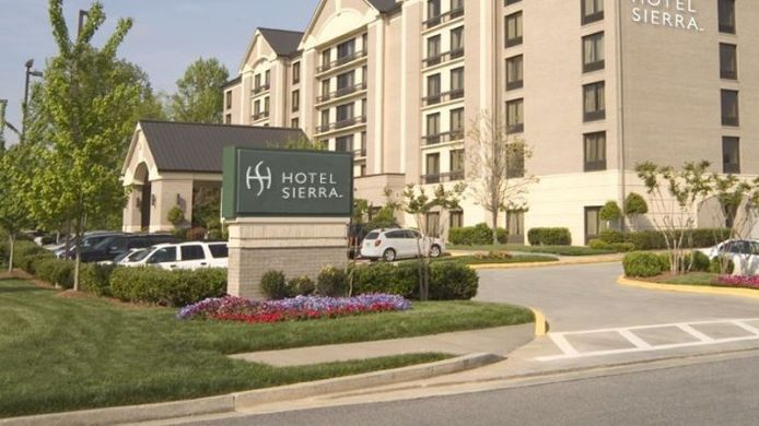 Außenansicht Holiday Inn Express & Suites ALPHARETTA - WINDWARD PARKWAY