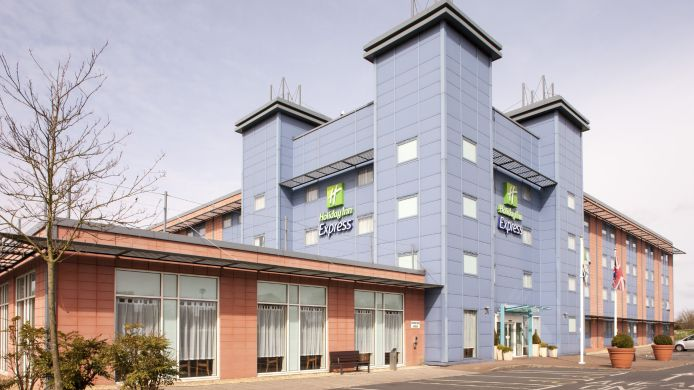 Buitenaanzicht Holiday Inn Express OXFORD - KASSAM STADIUM