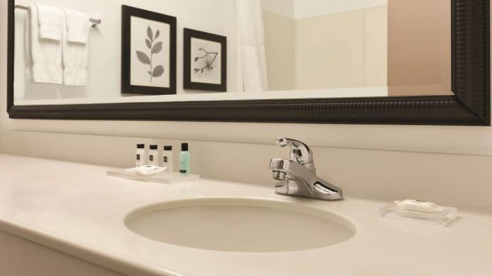 Exterior view COUNTRY INN STE INDY AIR SOUTH