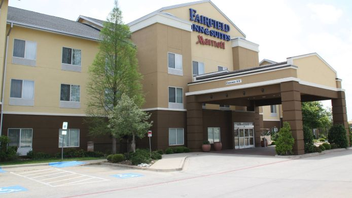 Buitenaanzicht Fairfield Inn & Suites Denton