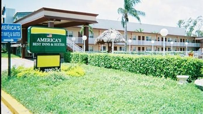 Exterior view AMERICAS BEST INNS-FT LAUDERDALE NORTH