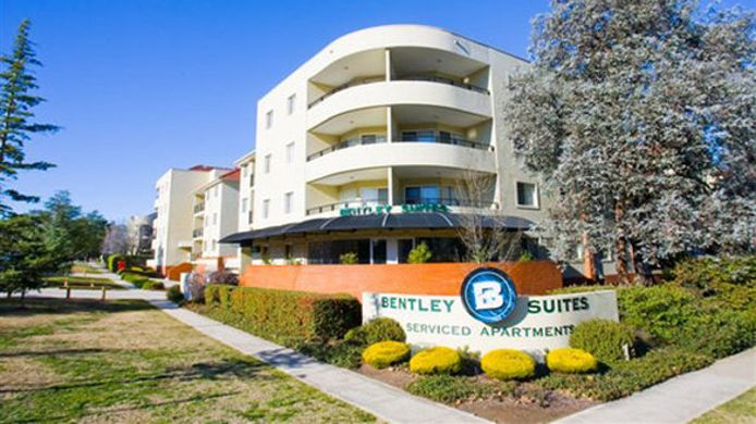Exterior view BENTLEY SUITES