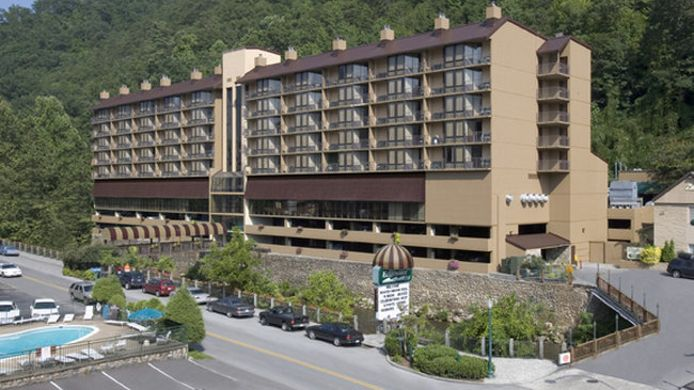 Exterior view Edgewater Hotel - Gatlinburg