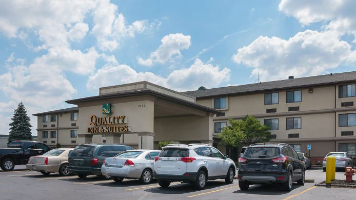 Exterior view Quality Inn & Suites Detroit Metro Airport