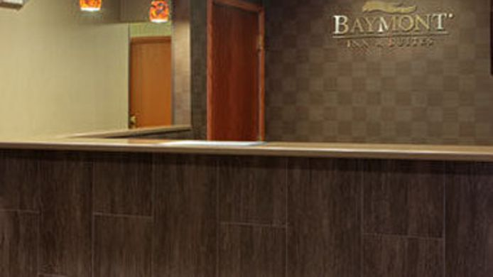 Room Baymont Inn and Suites Eau Claire WI