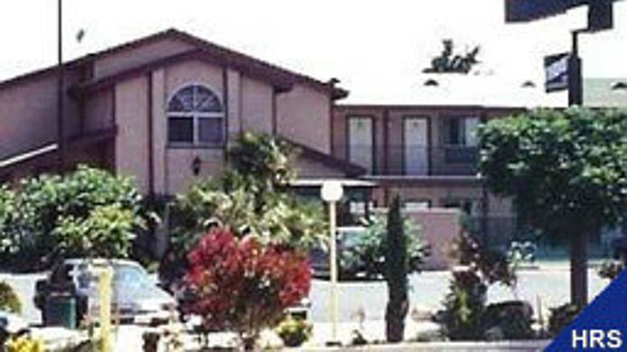 Exterior view Knights Inn Victorville