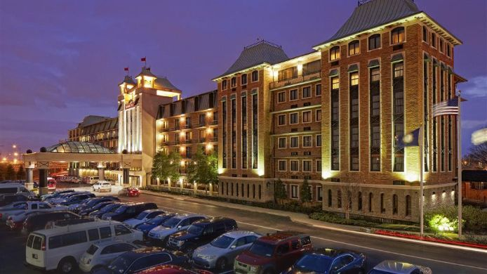 Exterior view Crowne Plaza LOUISVILLE AIRPORT EXPO CTR
