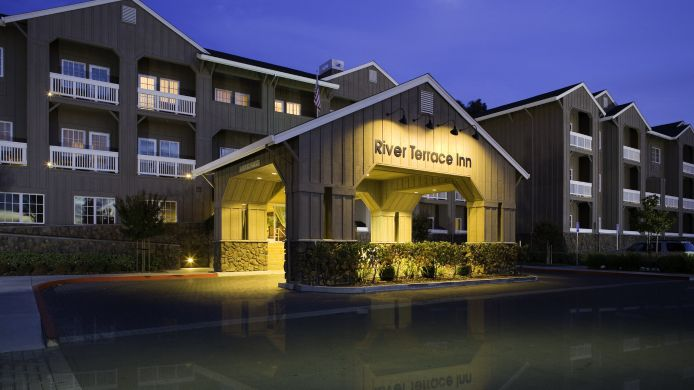 Exterior view RIVER TERRACE INN