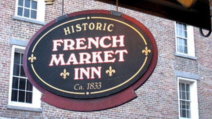 Buitenaanzicht FRENCH MARKET INN