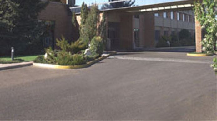 Exterior view MEDICINE HAT LODGE
