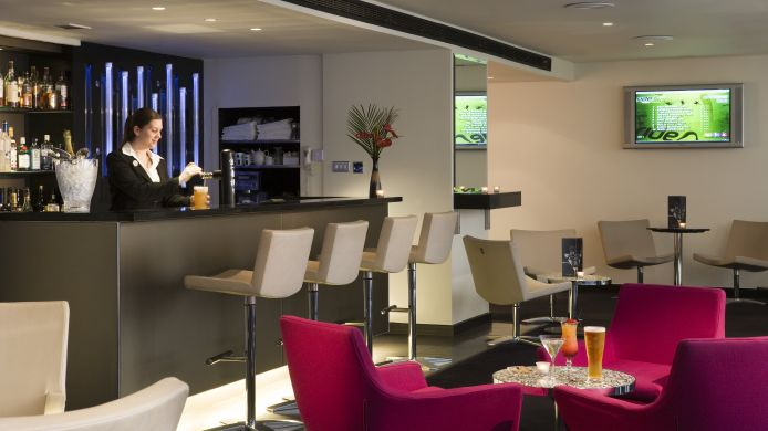 Hotelbar Sofitel London Gatwick