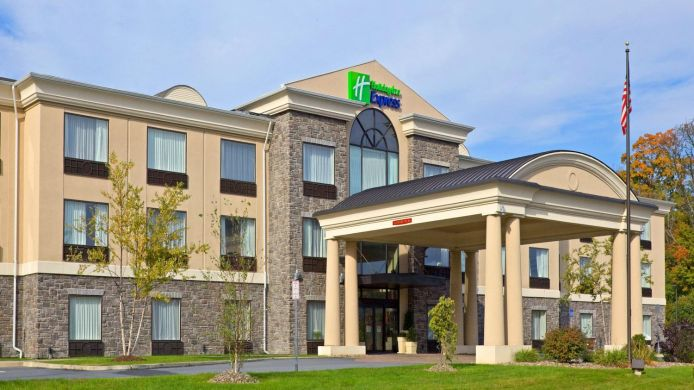 Buitenaanzicht Holiday Inn Express & Suites CHESTER-MONROE-GOSHEN