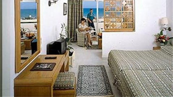 Room LES ORANGERS BEACH RESORT