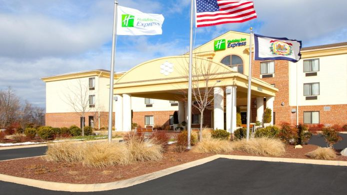Exterior view Holiday Inn Express CHARLES TOWN