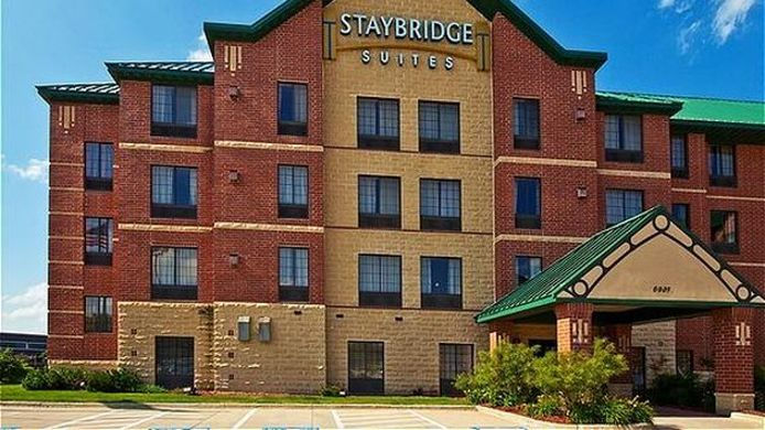 Exterior view Staybridge Suites WEST DES MOINES