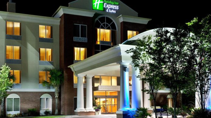 Buitenaanzicht Holiday Inn Express & Suites CHARLESTON-NORTH