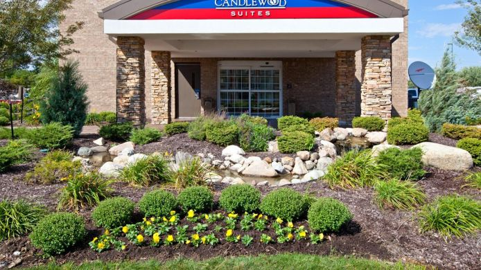 Exterior view Candlewood Suites INDIANAPOLIS AIRPORT
