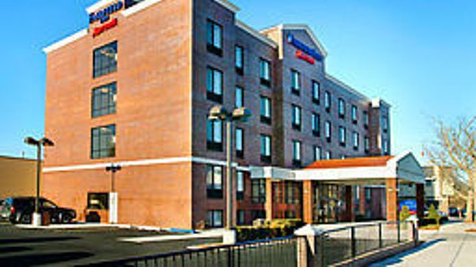 Exterior view Fairfield Inn New York LaGuardia Airport/Astoria