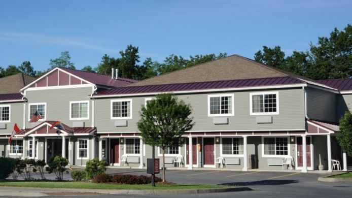 Exterior view Red Roof Inn Queensbury - NY