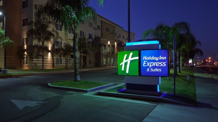 Exterior view Holiday Inn Express & Suites BAKERSFIELD CENTRAL