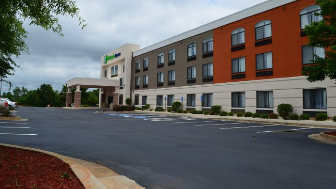 Exterior view Holiday Inn Express MADISON
