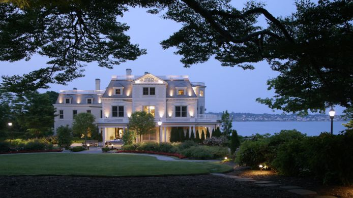 Exterior view THE CHANLER AT CLIFF WALK LVX