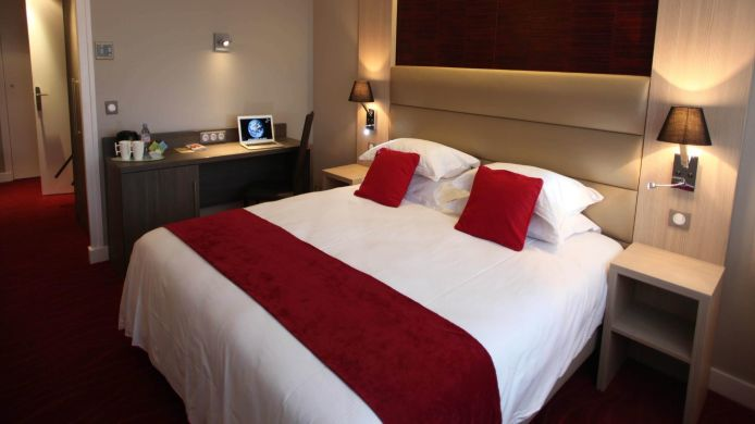 Double room (standard) Les Trois Roses INTER-HOTEL
