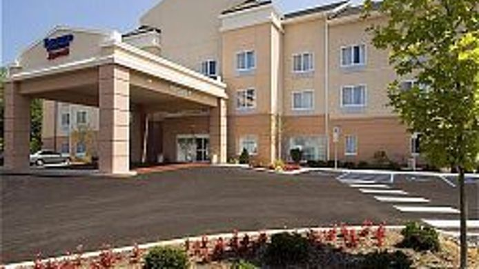 Buitenaanzicht Fairfield Inn & Suites State College