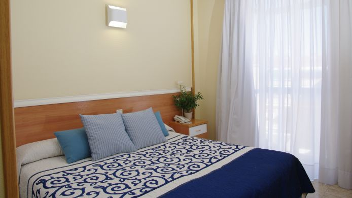 Double room (standard) Barajas Plaza