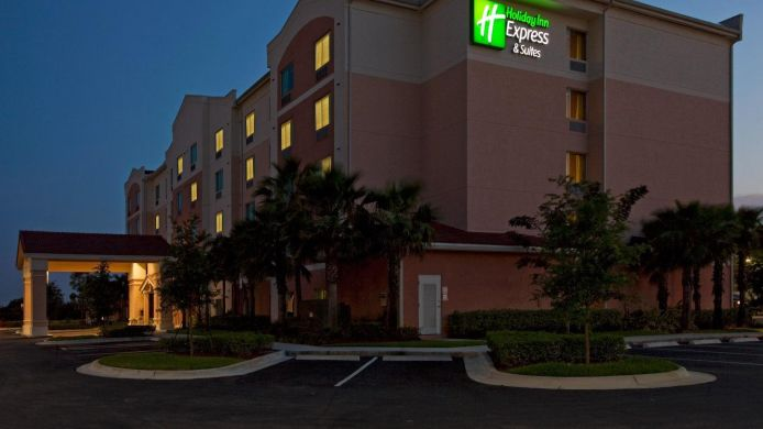 Exterior view Holiday Inn Express & Suites PEMBROKE PINES-SHERIDAN ST